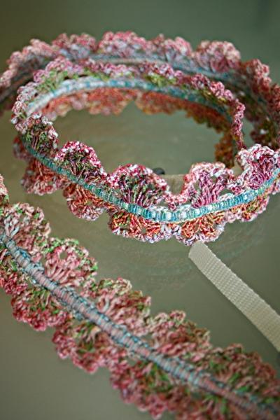 春夏毛糸(マルチカラー)のカメラストラップ