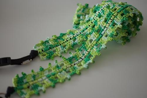 レース糸(緑)のストラップ